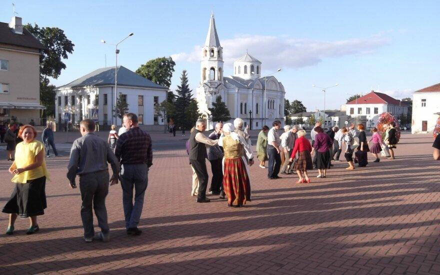Ukmergėje buvo susirinkę liaudies dainų ir šokių gerbėjai
