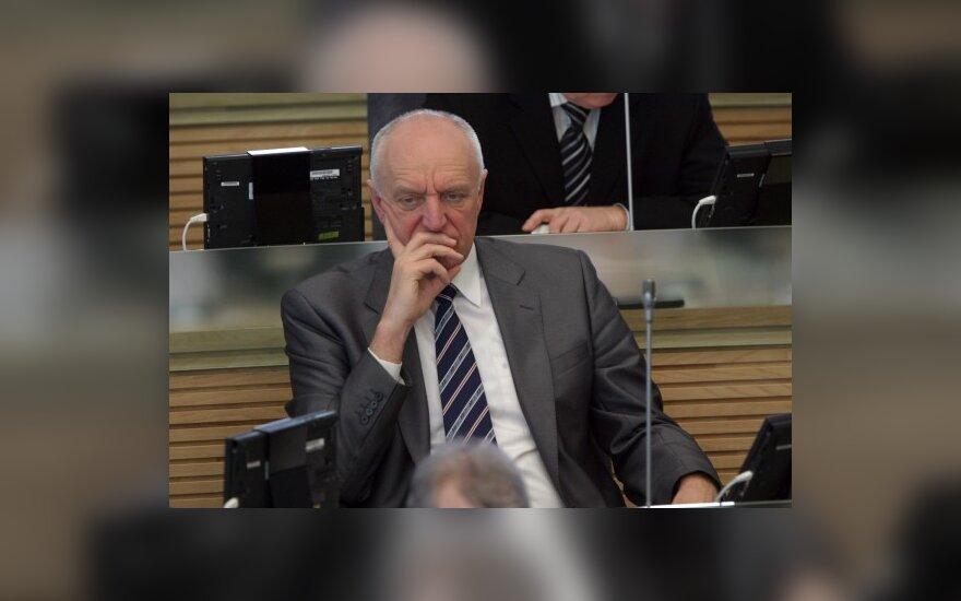 RST kaltina Seimo nario J.Jagmino žmoną vogus elektrą