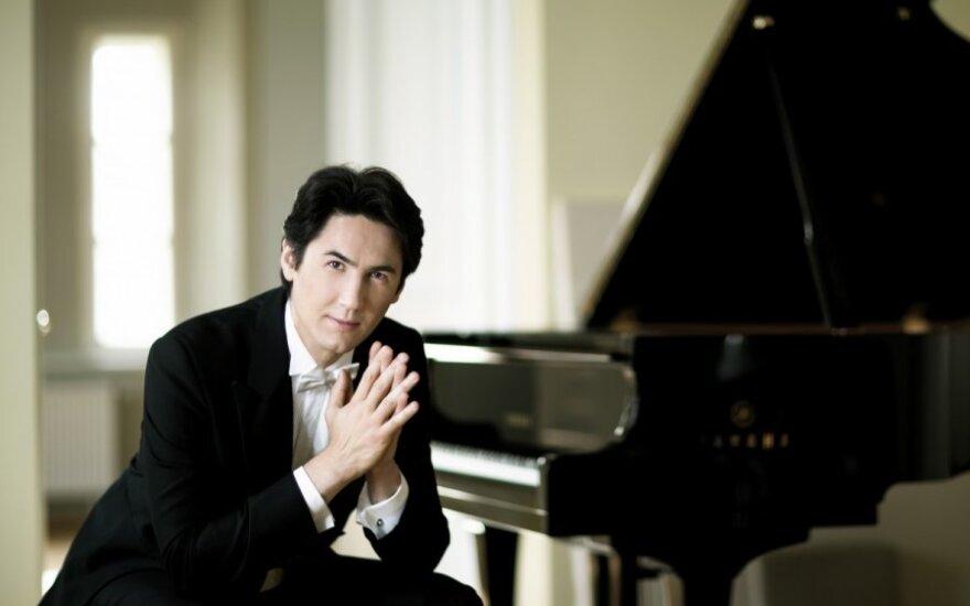 Pianistas Kasparas Uinskas Lietuvoje surengs tris solinius koncertus