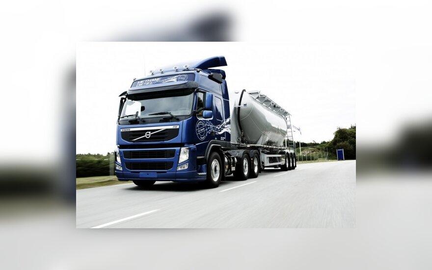 """""""Volvo Trucks"""" išbando suskystintomis dujomis varomus sunkvežimius"""