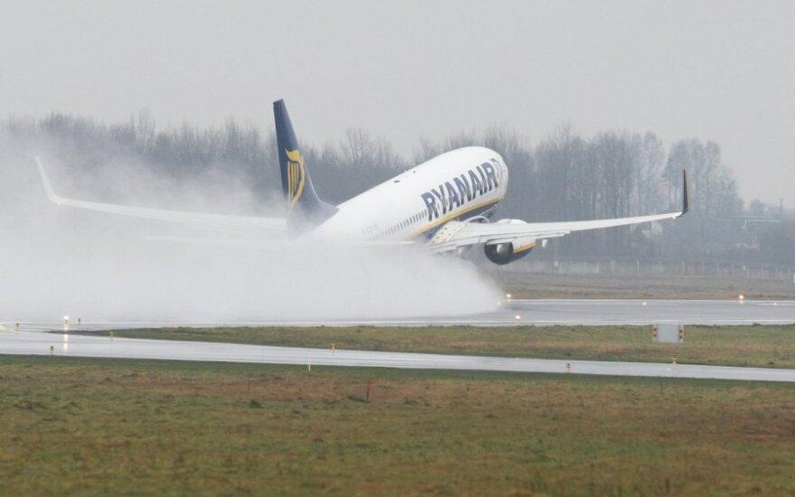 """""""Ryanair"""" nuo gegužės skraidins į Kiprą ir Maltą"""