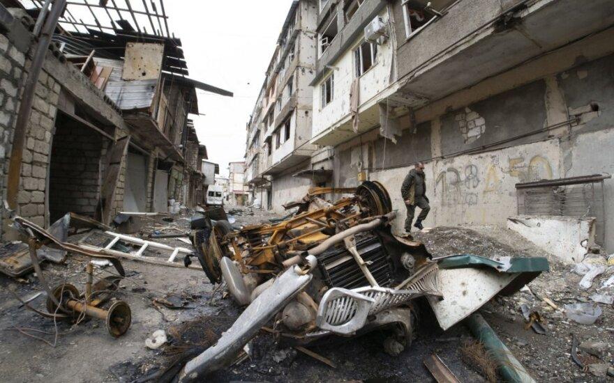 Kalnų Karabacho sostinę bombardavo raketos ir bepiločiai lėktuvai