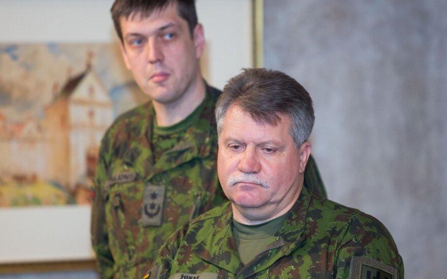 """""""Darbiečiai"""" kviečiasi kariuomenės vadą pasiaiškinti"""