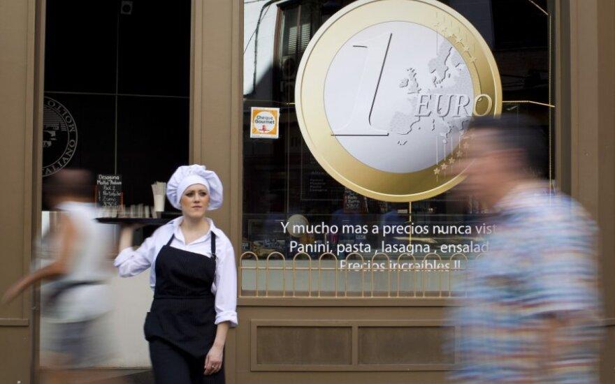 Euro zona kyla iš pelenų