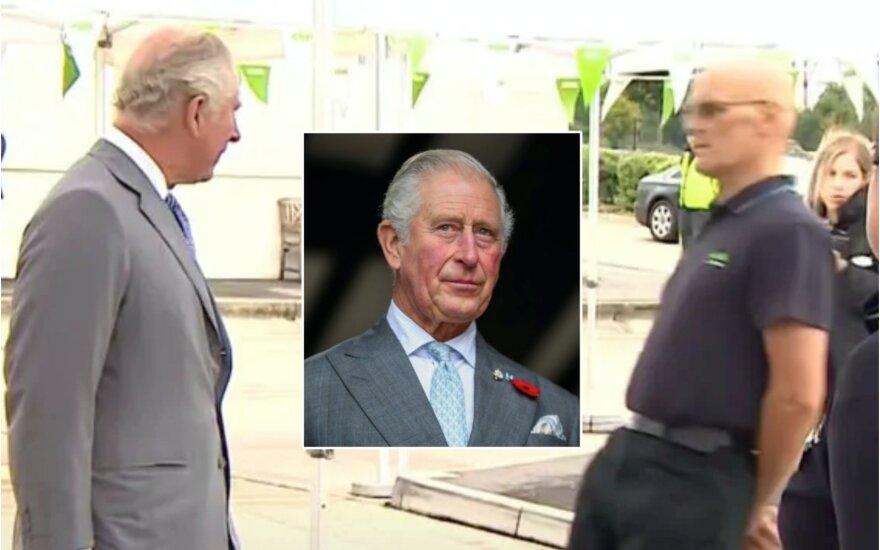 Princas Charlesas ir prekybos centro darbuotojas / Foto: Vida Press, stopkadrai