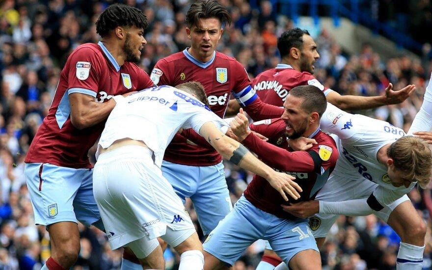 """Muštynės tarp """"Leeds United"""" ir """"Aston Villa"""" žaidėjų"""