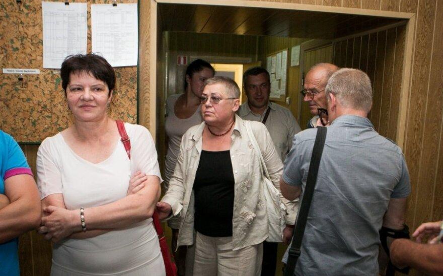 Advokatė Algauda Šimkūnienė (kairėje) ir Julija Mažuolytė