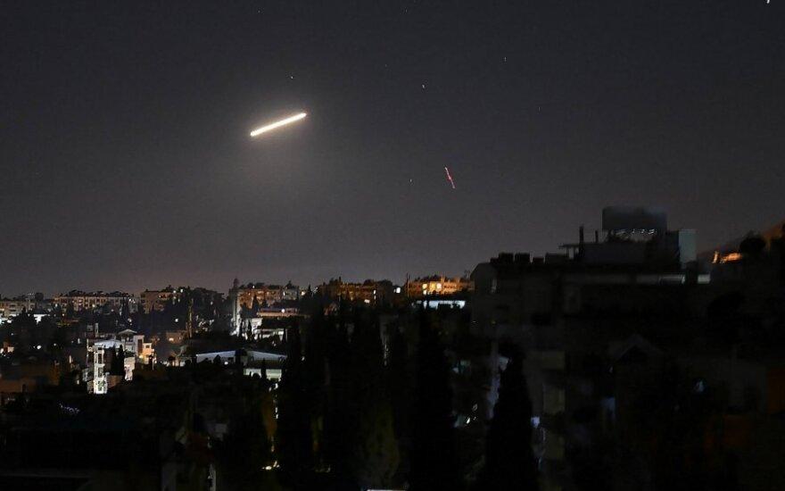 Sirijos priešlėktuvinės gynybos raketa virš Damasko