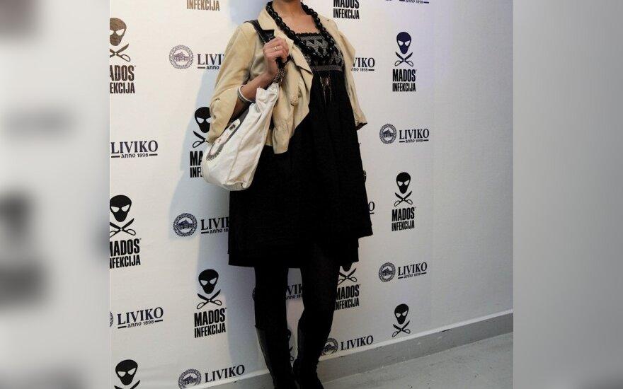 """Buvusi """"Lalailos"""" blondinė G.Žalienė užsimojo tapti lietuviškąja V.Beckham"""