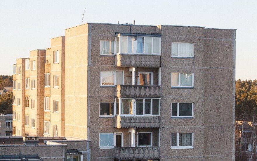 Vilniuje per šešto aukšto balkoną iškrito berniukas