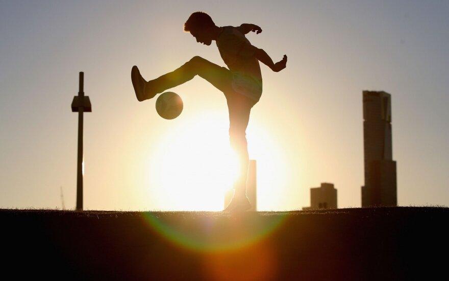 """""""Melbourne City"""" fanas žaidžia su kamuoliu"""