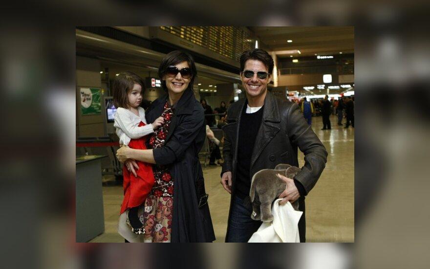 Tomas Cruise'as, Katie Holmes kartu su dukrele Suri
