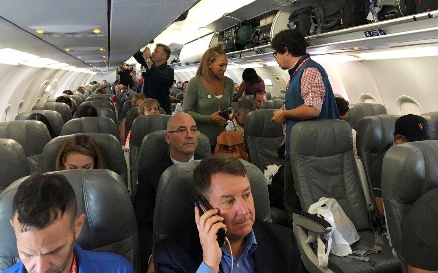 JAV po 55 metų pertraukos atnaujina komercinius skrydžius į Kubą