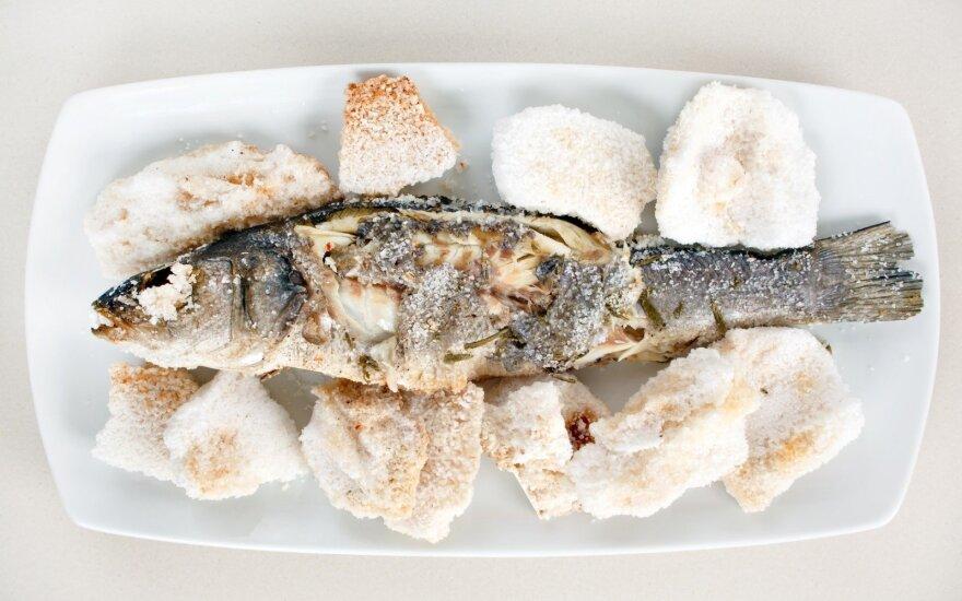 Druskoje kepta žuvis