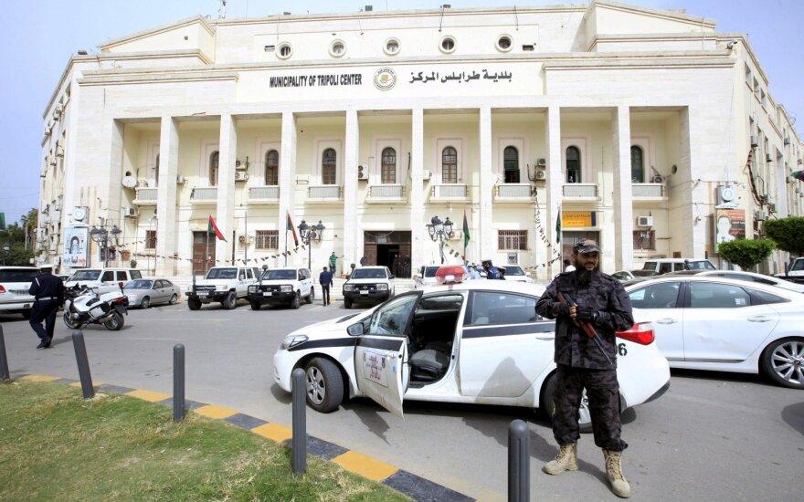 Проправительственные силы Ливии объявили о контрнаступлении против армии Хафтара, которому пригрозили арестом