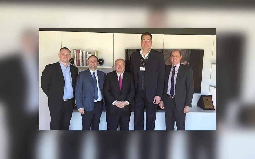 Arvydas Sabonis ir Mindaugas Špokas susitiko su naująja FIBA vadovybe