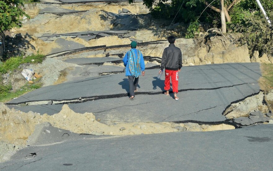 Prie Indonezijos krantų įvykęs žemės drebėjimas pareikalavo trijų gyvybių
