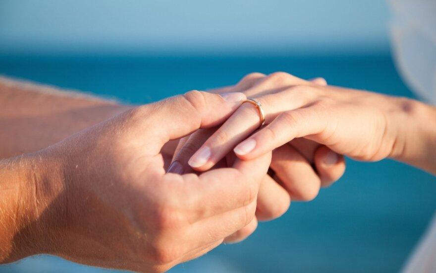 Įspėja: jei santuokai nesiryžtate po metų draugystės, bus problemų