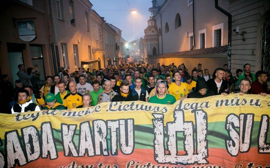 Lietuvos futbolo fanų eisena (asociatyvi nuotrauka)