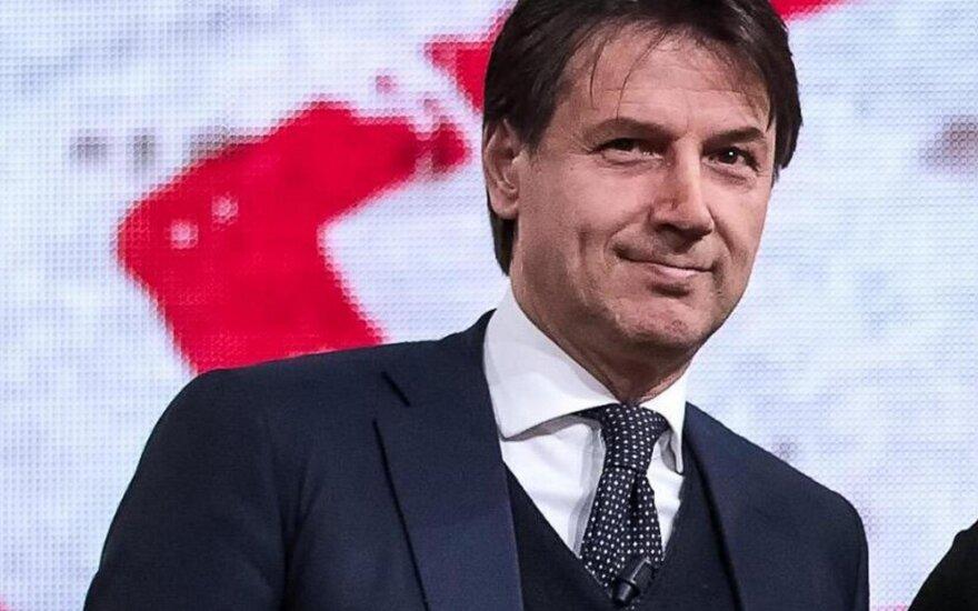 M5S į Italijos premjero postą siūlo teisininką Giuseppe Conte