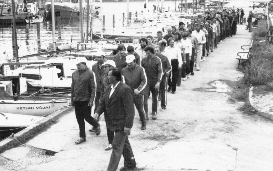 Įgulų paradas. XV Kuršių marių regata