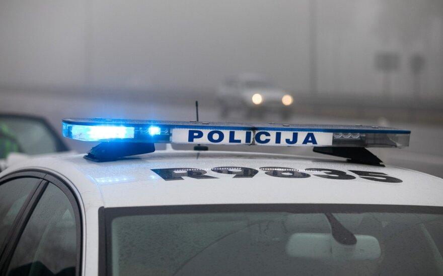 Kraupi avarija Jonavos r.: nuo kelio nulėkė ir apvirto automobilis, žuvo du žmonės