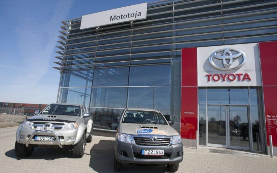 """""""Toyota"""" ketvirčio pelnas išaugo penkiagubai"""