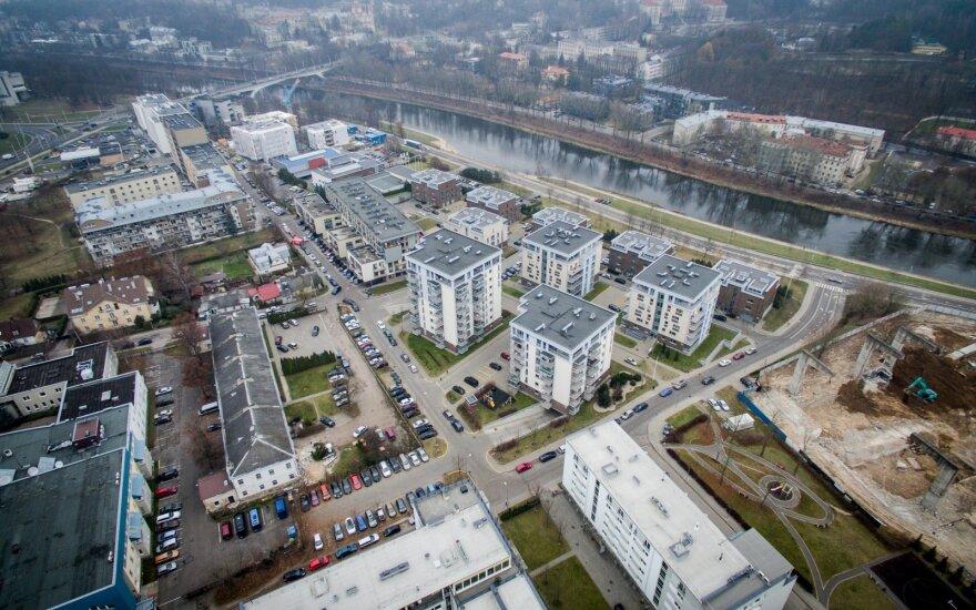 Apžvelgė Vilnių iš viršaus: prabangiuose miestuose ant stogų kuriamos poilsio zonos, o čia?