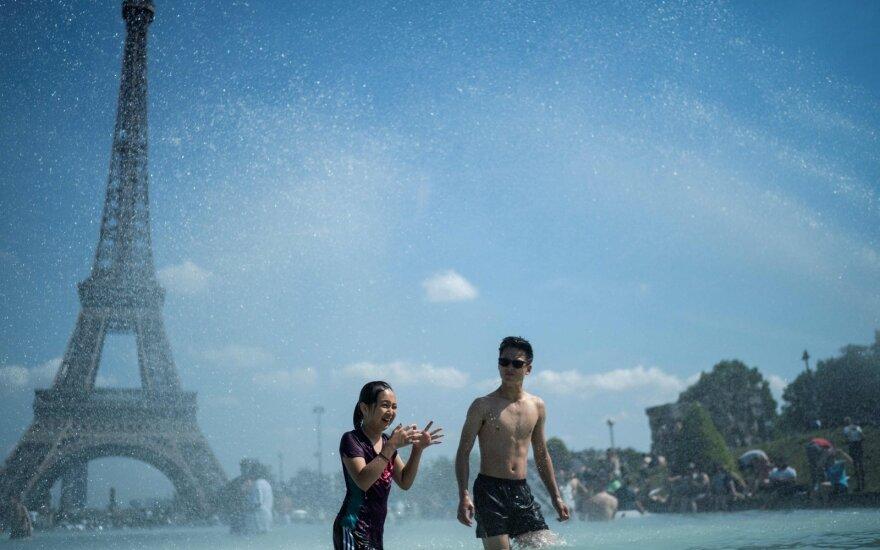 Dėl karščio – keistas reiškinys: žmonės jaučiasi kaip orkaitėje