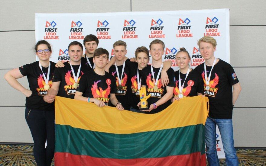 Moksleiviai iš Kauno nuskynė laurus robotikos čempionate JAV