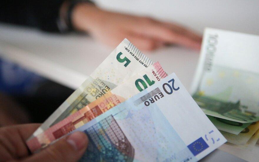 Labiausiai finansinę naštą jaučia greitųjų kreditų turintys namų ūkiai