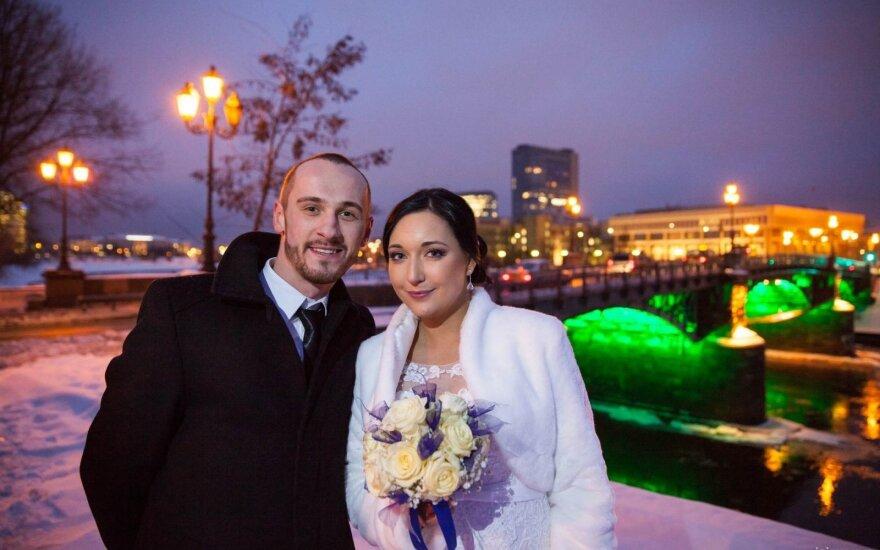 Kaip prisijaukinti žiemą vestuvių fotosesijoje?