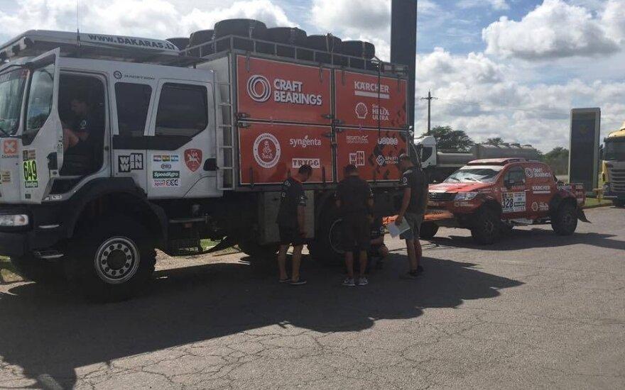 A. Juknevičiaus komandos serviso sunkvežimis