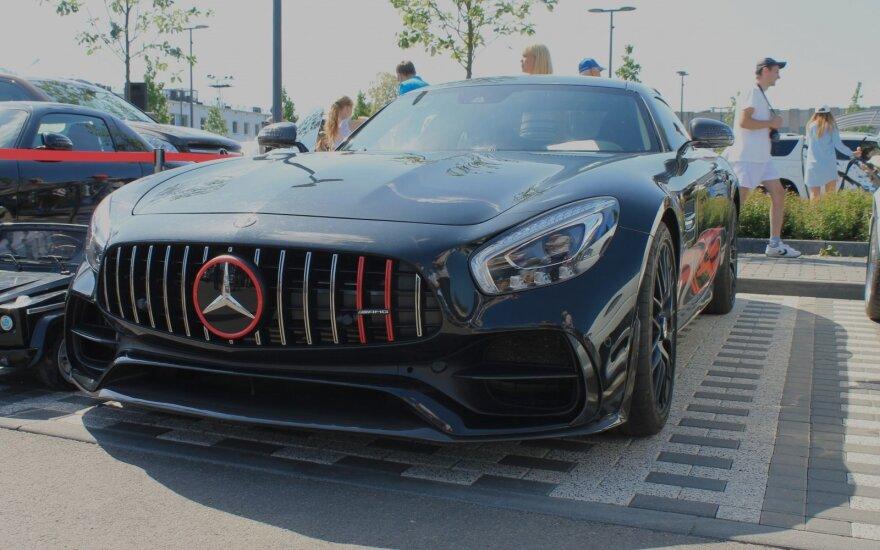 """""""Mercedes-Benz"""" gerbėjų vasaros sezono atidarymas"""