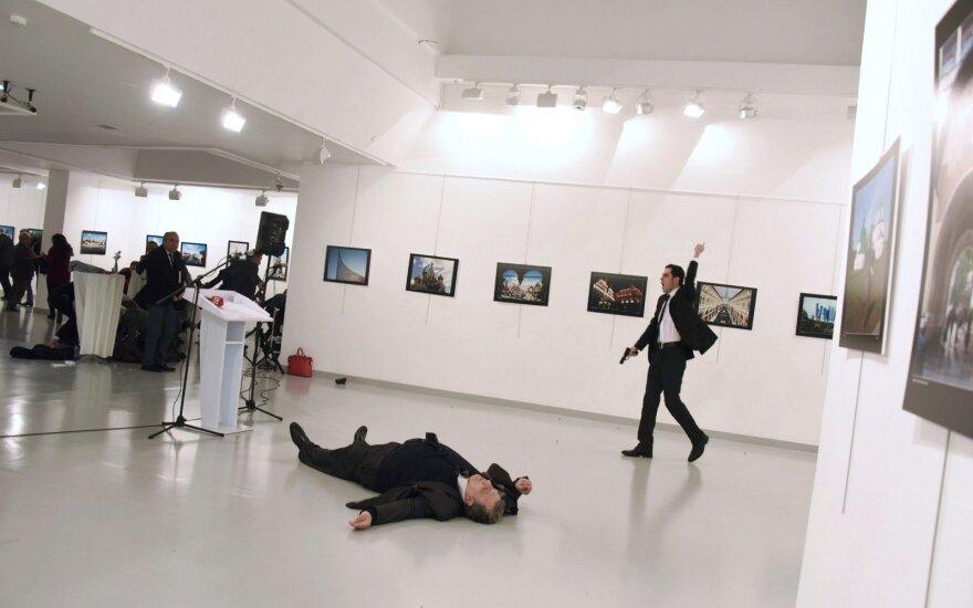 Žiniasklaida: Turkijoje suimtas žmogus, susijęs su Rusijos ambasadoriaus nužudymu