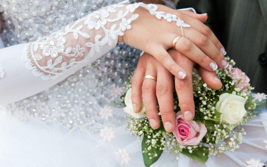 Poros atvirai papasakojo, kaip santuoka pakeitė jų santykius