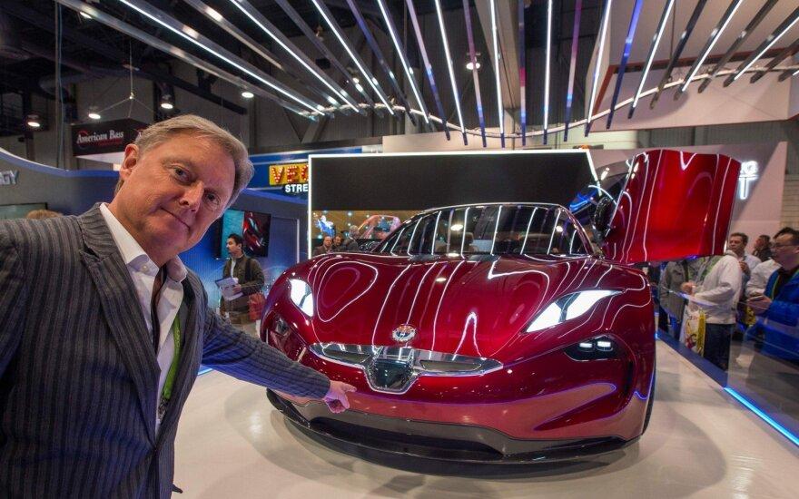 """Henrikas Fiskeris pristato """"Fisker EMotion"""" elektromobilio prototipą CES parodoje"""