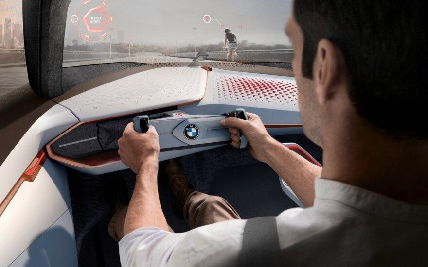Ateityje automobilyje vis rečiau reikės vairo