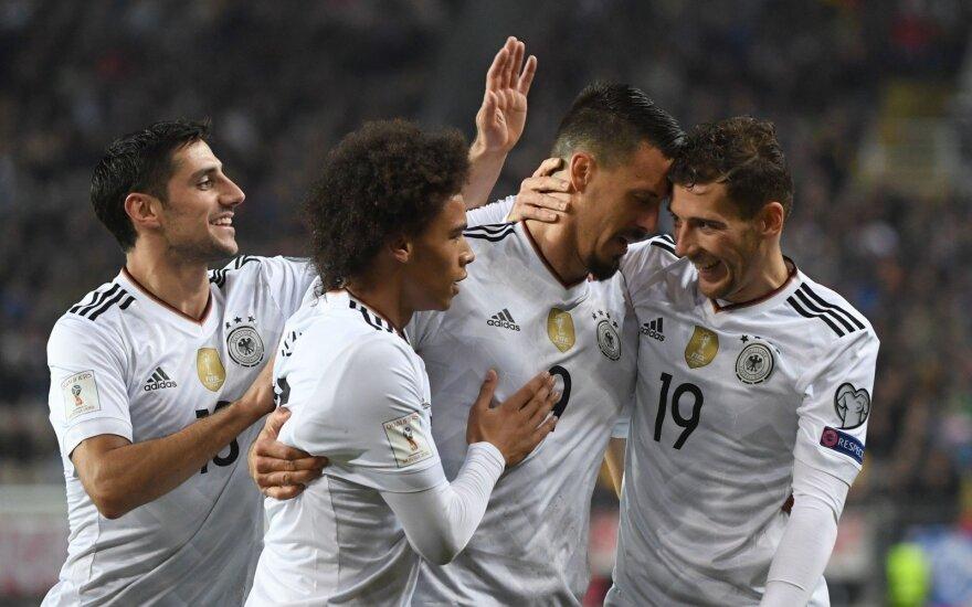 Pasaulio futbolo čempionato atrankoje nesulaikoma buvo Vokietijos rinktinė. Ji nepralaimėjo nė vienerių rungtynių nuo 2010 metų planetos pirmenybių pusfinalio su ispanais.
