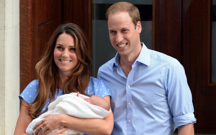 Katherine Middleton ir princas Williamas vos susilaukę princo George'o/ Foto: SI/Scanpix