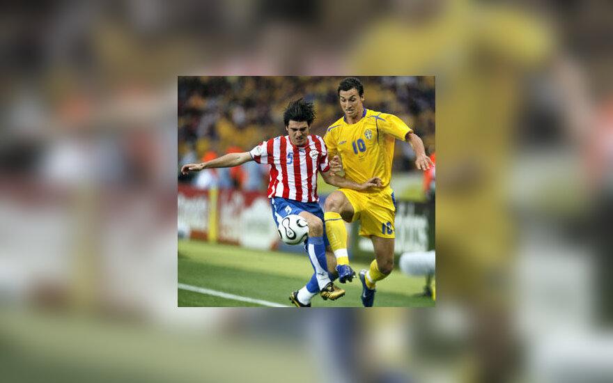 Zlatanas Ibrahimovičius (dešinėje)