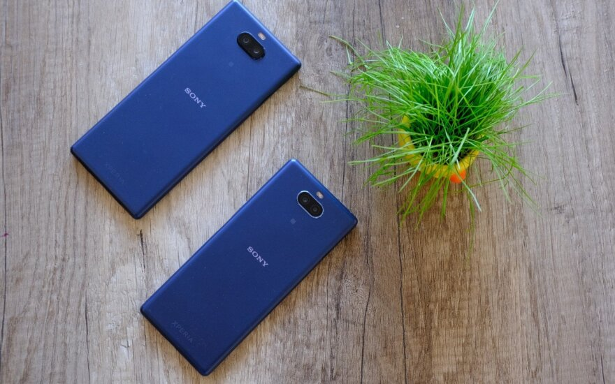 Sony Xperia 10 ir Sony Xperia 10 Plus