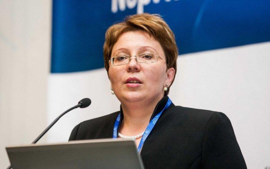 Kritika R. Cytackai: ji nė iš tolo neturėjo būti prileista prie valstybinių pareigų