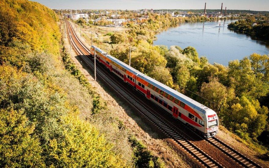 Nepamirštama kelionė traukiniu: turėjo važiuoti į Šiaulius, nes neatsidarė durys