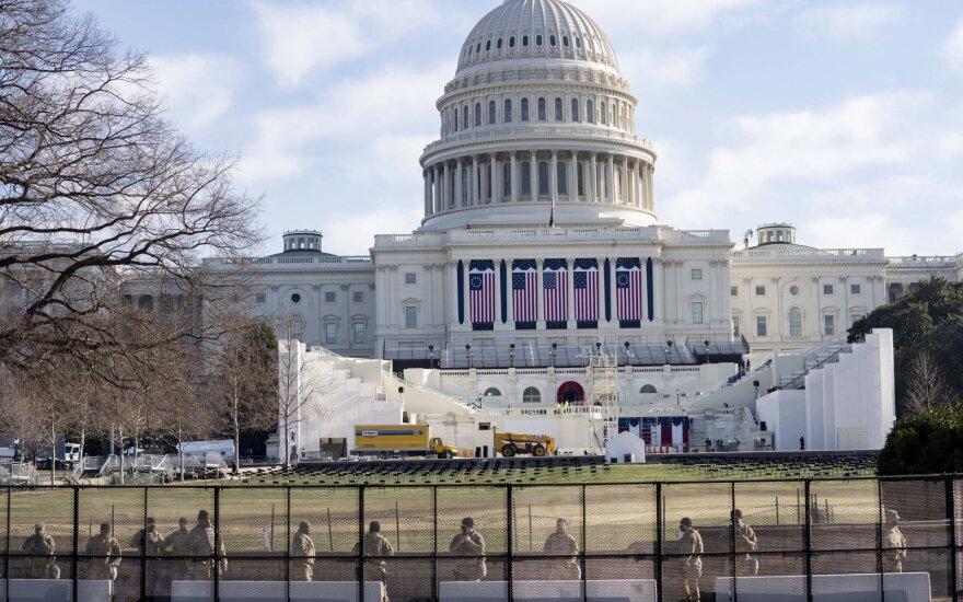 FTB padidino atlygį už informaciją apie asmenį, Kapitolijuje galimai padėjusį bombų