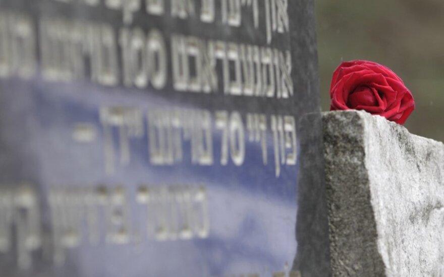 Prezidentė su Izraelio ambasadoriumi Molėtuose pagerbs holokausto aukų atminimą