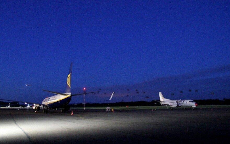 Kas pasirūpins į Kauno oro uostą sugrįžtančiųjų karantinavimu: papildomų vietų ieškoma Birštone