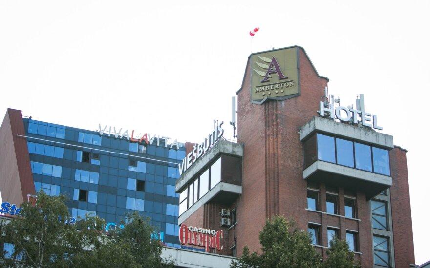 Verslo viešbučiai valdžios pagalbos nesulaukia beveik metus laiko: gyventi tenka iš paskolų
