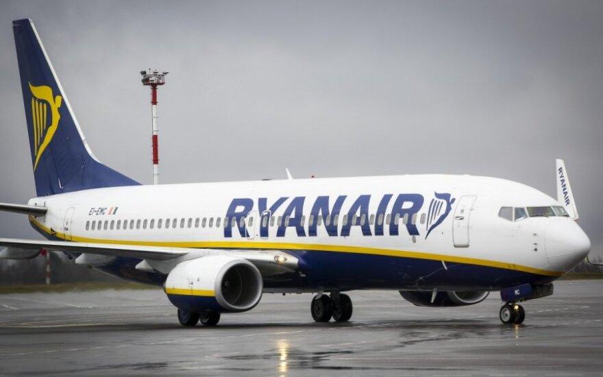 """""""Ryanair"""" atšauks 18 tūkst. skrydžių"""