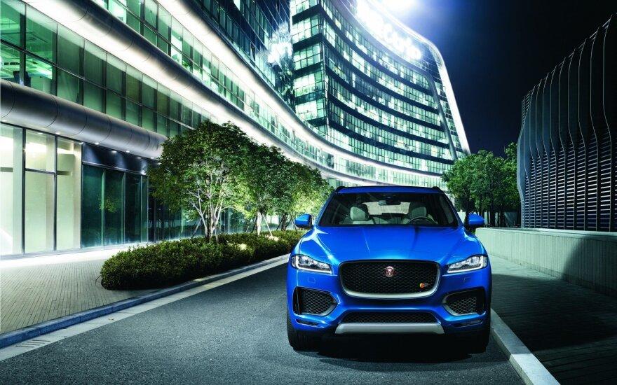 """Pati """"Jaguar"""" gamina ne vieną dyzelinį variklį"""